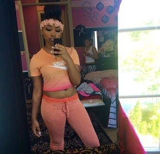 shirt jewels orange crop tops nike sportswear pants nike crop top t-shirt two colour two tone tie dye shirt tie dye nike shirts women tshirts women pink fashion girly chill workout top casual casual shirt zonnique zonnique pullins zonnique  omg girls