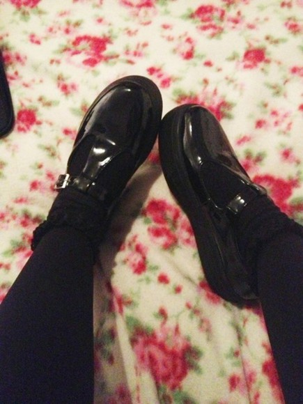 shiny shoes shoes black shoes school shoes cool shoes tumblr shoes tumblr black grunge soft grunge