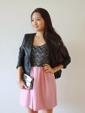 sensible stylista,blogger,dress,chevron,clutch,perfecto,jewels,jacket,bag,chevron dresses