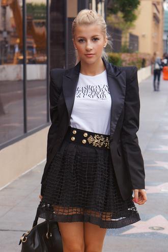 evelinas fashion cafe t-shirt jacket skirt shoes jewels belt