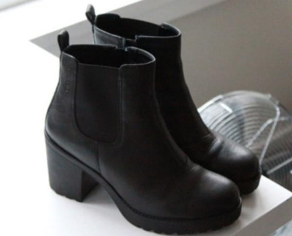 0933f8733e6 New Look Elmo Black Block Heel Chelsea Boots at asos.com
