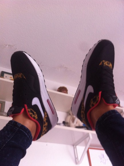 shoes black shoes animal print nike air air max pink confy cool