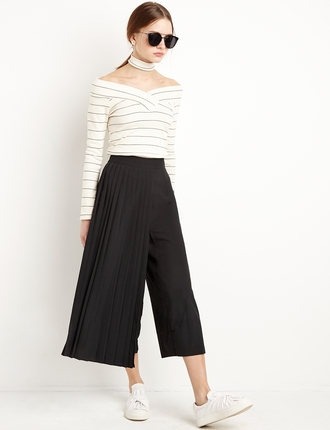 pants pleated cropped pants wide-leg pants black pants