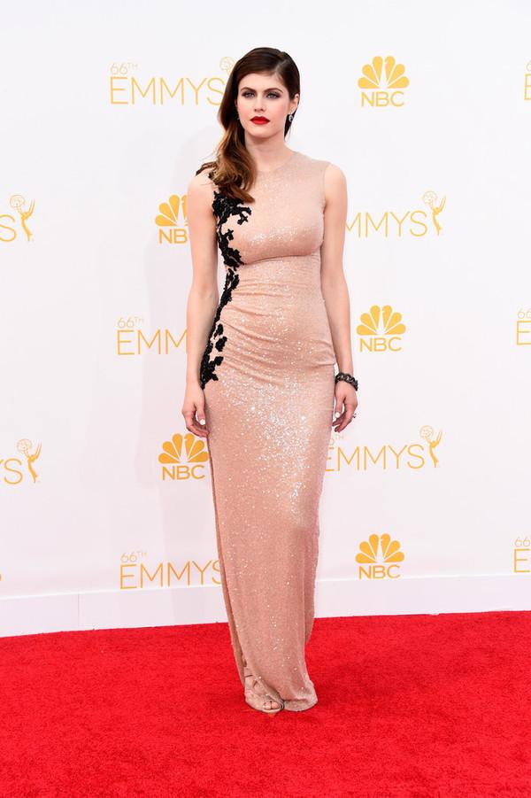 dress nude dress alexandra daddario emmys 2014