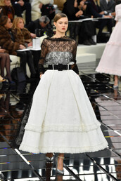 dress,gown,lace dress,lace,chanel,fashion week 2017,runway,model,lindsey wixson,fashion week
