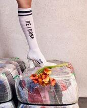 socks,white socks