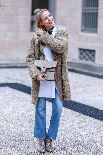 ohh couture blogger coat dionysus frayed denim fuzzy coat beige coat frayed jeans wide-leg jeans white shirt gucci bag gucci boots animal print beige fluffy coat camel fluffy coat teddy bear coat