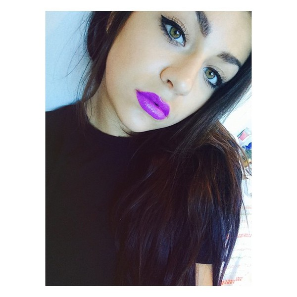make-up lipstick purple