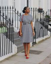 dress,derss,gingham,black and white,shoes,red shoes,bag,red,red bag,belt