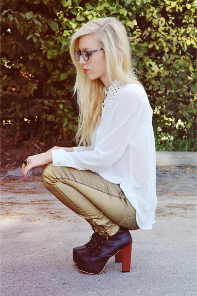 pants gold blouse studs blogger ankle boots