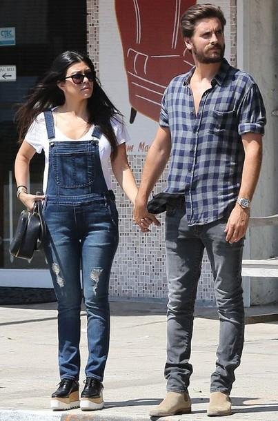 478d79f755440 Kourtney Kardashian wears jeans from Chanel ( 89