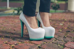 shoes high heels high heels pumps white turquiose green blue pretty