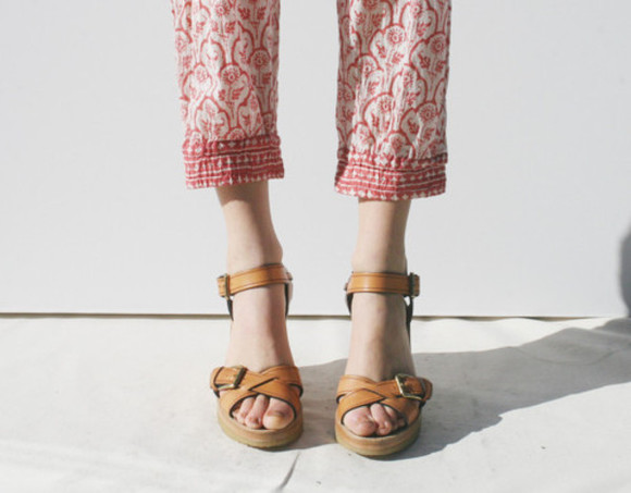shoes beige shoes sandals beige tan shoes tan girl tumblr fashion