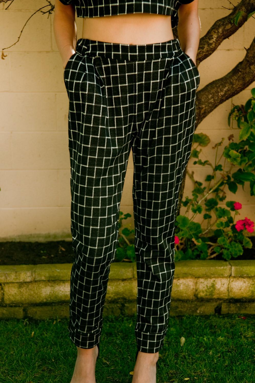 Poncho checkered harem pants – gold soul