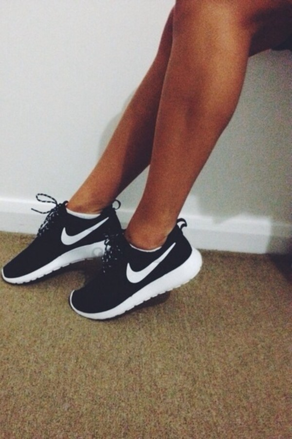nike roshe run s running shoes black white volt