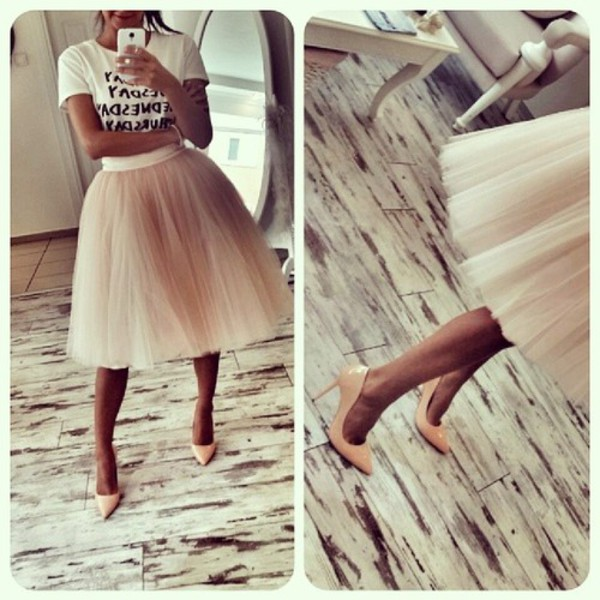 skirt fashion style high heels t shirt print