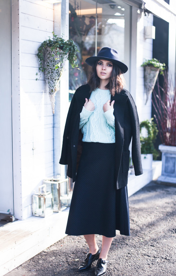 the golden diamonds skirt coat hat shoes