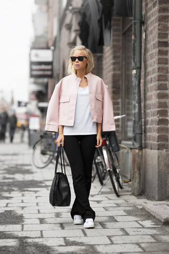 victoria tornegren blogger pink jacket black pants black leather bag
