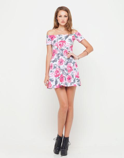 dbcf922ccbcb dress motel catalina off shoulder dress in pink flower buzz floral dress  pink flowers