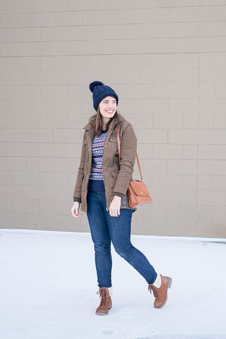 styleontarget blogger sweater hat coat bag jeans shoes