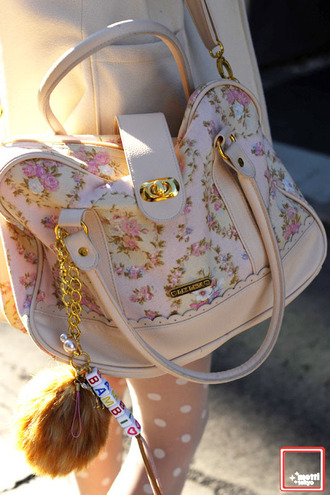bag floral flowers pink pastel cream white gold tumblr fur kitchie kawaii cute handbag