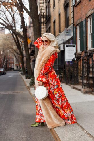 katwalksf blogger dress scarf shoes bag sunglasses fur scarf winter outfits maxi dress round bag green boots