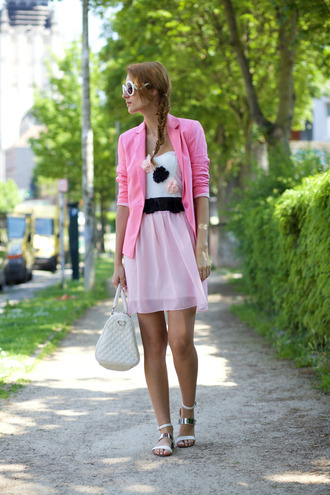from brussels with love blogger bow dress white sunglasses