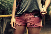 shorts,studded,faded,pink,studs,pink shorts,studded shorts,pants,summer,red,jeans
