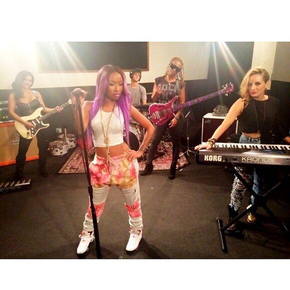 diamonds oxygen sisterhood of hip hop diamondatl floral purple joggers sweats