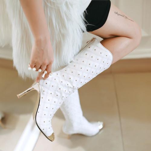 Star stud boots