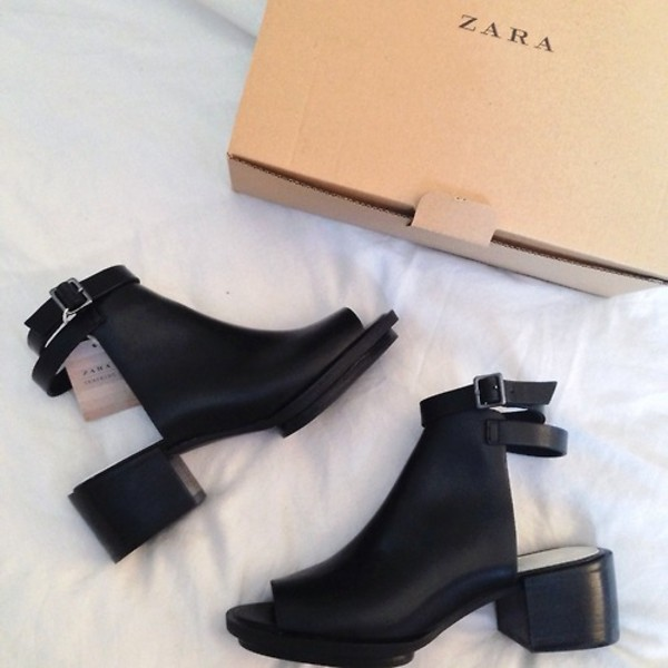 shoes zara little black boots boots black tumblr cute heels leather buckles talon fille rock noir boucles boots talon back straps booties
