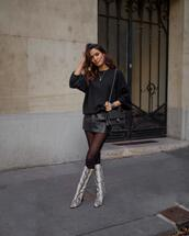 sofya benzakour knidel,la couleur du moment | blog mode,lifestyle,voyages,entre le maroc et paris,blogger,sweater,skirt,shoes,bag,fall outfits,leather skirt,chanel bag
