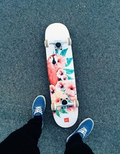 home accessory,skateboard,skater