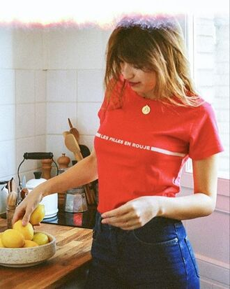 t-shirt rouje jeanne damas red t-shirt denim jeans blue jeans necklace french girl style rouje.com
