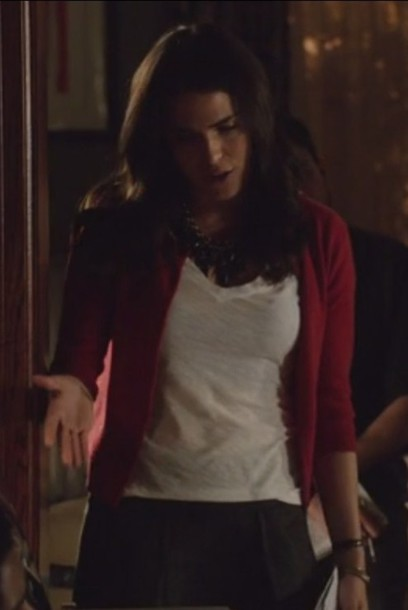 jewels how to get away with murder white Karla Souza Laurel Castillo cardigan t-shirt