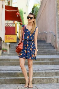 scent of obsession dress bag shoes jewels blue blue dress flowers vintage sunglasses