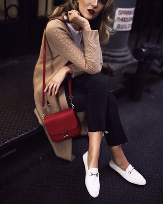the classy cubicle blogger cardigan t-shirt jeans shoes bag fall outfits shoulder bag red bag beige cardigan loafers