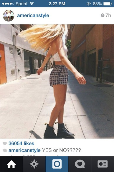 shorts blue shorts cute tribal pattern aztec crop tops boho plaid shorts bandana print baggy pants tumblr shorts tumblr girly style white crop top boots combat boots open back blouse tie tie back top