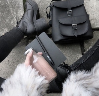 coat cute sweet kawaii outfit furbae tumblr weheartit white fur coat fur jacket grunge softgrunge blackfashion black skinny skinny jeans fashion bag