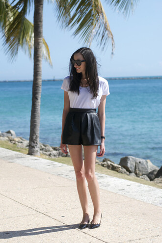 the glam files blogger leather shorts black shorts white t-shirt