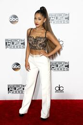 pants,crop tops,lace top,lace bralette,lace lingerie,ariana grande,American Music Awards,top,bustier,white,white pants,blanc,droit