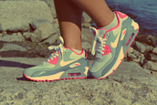 shoes,nike,air max,grey,white,pink