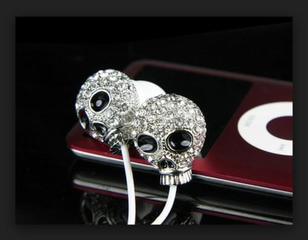earphones silver skull