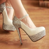 shoes,white,glitter shoes,red bottoms,size6