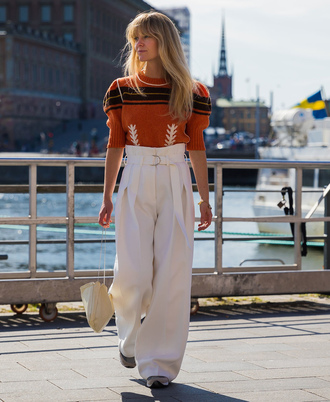 pants stockholm fashion week streetstyle sweater white pants wide-leg pants high waisted pants bag