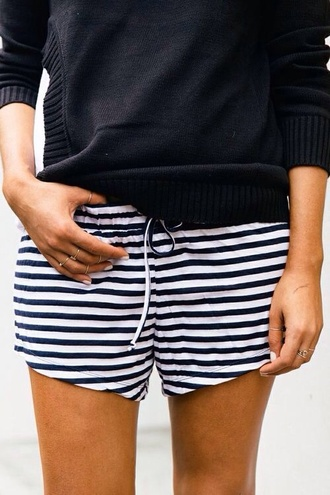 shorts sweater jumper knit stripes black navy white summer cute ring jewelry easy style pants summer shorts