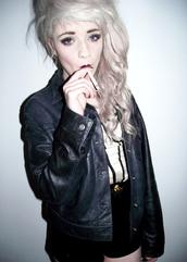 jacket,leather jacket,hot,sexy,badass,smoking,cool,grunge,pastel,punk