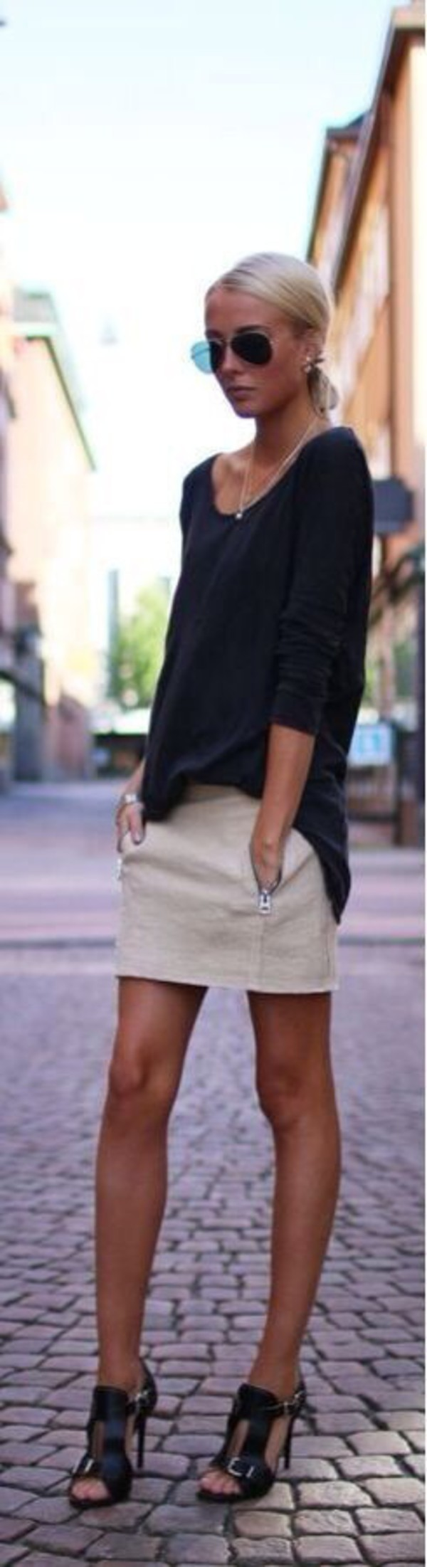 shoes skirt sweatshirt