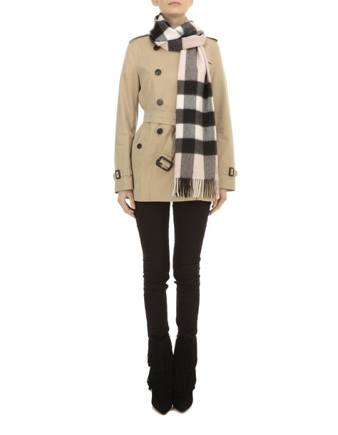 Burberry scarf rose
