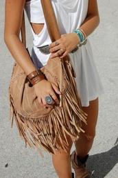 bag,shirt,boho bag,jewels,cool,summer,indie,hipster,dress,leather,purse,fringes,marron.,parfait.,vacances.,été,vans,boho,hippie,fringed bag,romper,camel bag,tassel